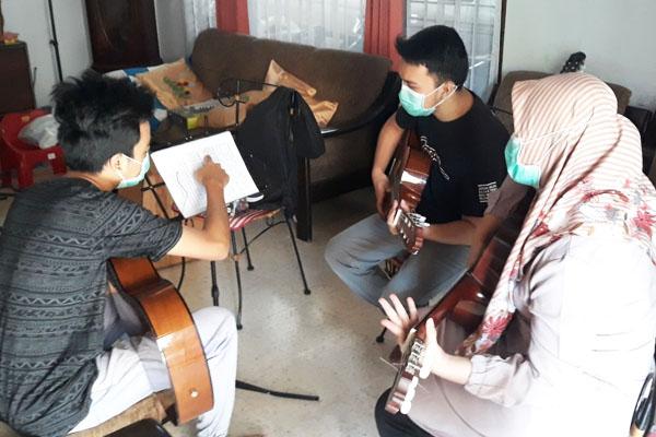 les privat gitar surabaya